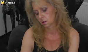 old mommy jacking off watching xHamster