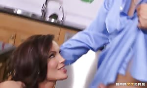 big chested Diamond Foxxx will get