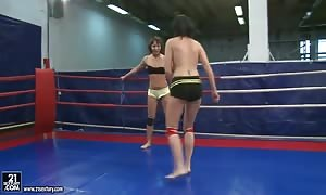 Lexi Ward and Selina duke it out in the ring